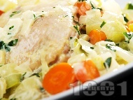 Пилешки бутчета със зеленчуци и сметана